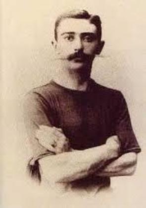Os registros contam que o Barão praticava vários esportes de forma amadora, entre eles esgrima e hipismo. Sua paixão o motivou a usar o esporte como instrumento de educação e a lutar pelos Jogos.