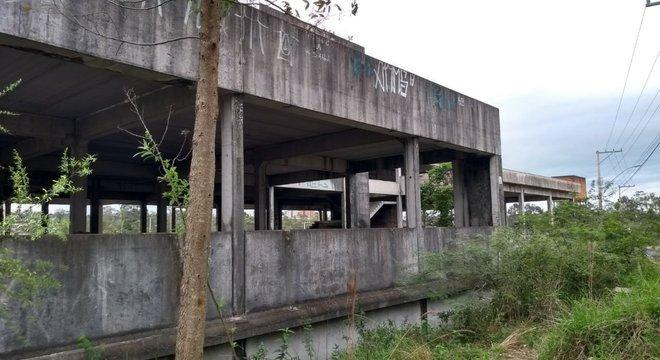 Os trabalhos partem de prédio inacabado no bairro Canudos Crédito: Stephany Sander / Especial / CP