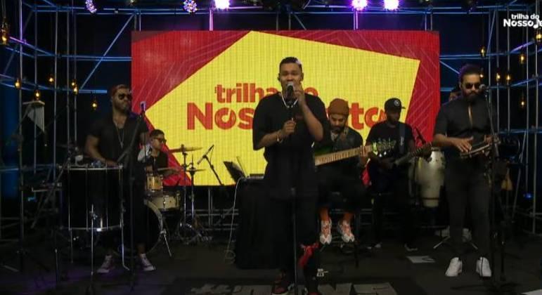 Os Travessos cantou hits de sucesso e música inédita no palco do Trilha do Nosso Jeito