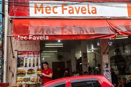 Mec Favela tem 7 funcionários e funciona praticamente 24h
