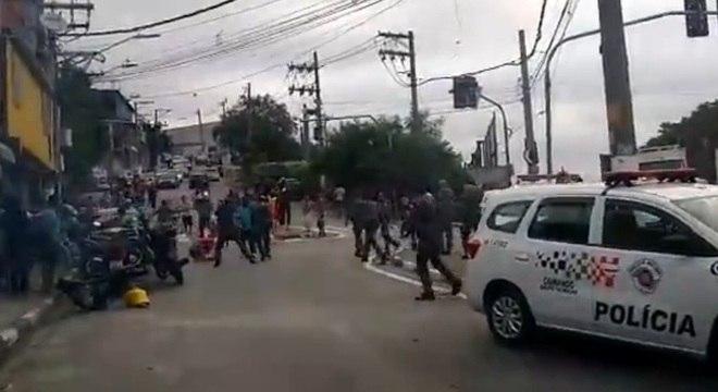 PMs entraram em confronto com moradores de uma comunidade em Osasco