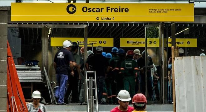 Com quatro anos de atraso, estação Oscar Freire é inaugurada em SP