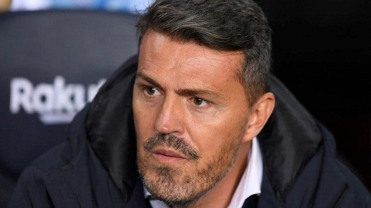 Óscar García: Treinador espanhol de 47 anos. Começou como treinador no Barcelona sub-19, em 2010. Após sucesso no Barça, já trabalhou em diversos países. Tem no currículo o título do Campeonato de Israel 2012/2013, pelo Maccabi Tel Aviv, e quatro taças na Áustria, pelo Red Bull Salzburg: Campeonato Austríaco em 2015/2016 e 2016/2017, somados a duas Taças da Áustria em em 2015/2016 e 2016/2017. Seu último clube foi o Celta de Vigo (ESP)