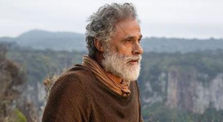 """Oscar Magrini está em """"Gênesis"""", novela sendo gravada em plena pandemia"""