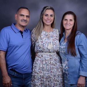 Osmar, Elisângela e Odete da Silva têm clínicas da Orthodontic