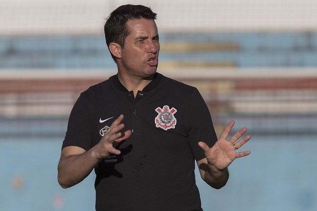 Osmar Loss - Treinou o Corinthians entre maio e setembro de 2018 - 25 jogos