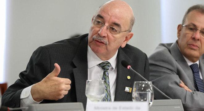 Osmar Terra substitui Major Vitor Hugo na liderança na Câmara