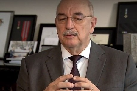 Ministro Osmar Terra fala sobre o Bolsa Família