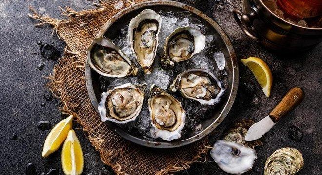 Para não correr riscos, é aconselhável evitar ostras in natura