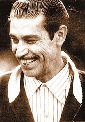 Oswaldo Brandão, que marcou época no Palmeiras durante a década de 50 e 60, possui sete títulos estaduais. São quatro no Verdão, dois no Corinthians e um pelo São Paulo.