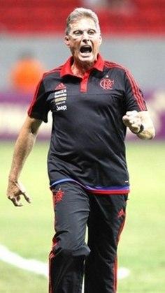 Oswaldo de Oliveira (2015) - 18 jogos / Aproveitamento de 50%.