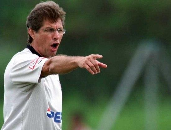 Oswaldo de Oliveira - Treinou o Corinthians entre fevereiro e maio de 2004 - 17 jogos