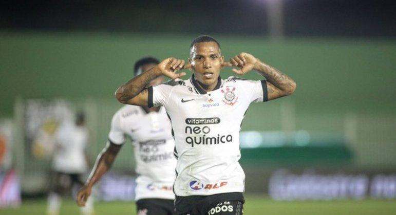 Otero comemorou seu gol tapando os ouvidos. Cansado de ouvir críticas por seu fraco futebol