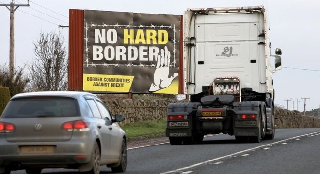 Biden é contra estabelecimento de uma possível fronteira rígida entre a Irlanda do Norte e a República da Irlanda como resultado do Brexit