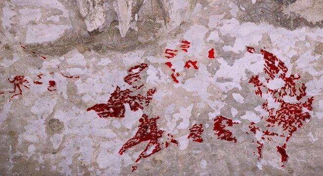 'Já vimos centenas de artes rupestres nessa região — mas nunca vimos nada parecido com uma cena de caça', diz arqueólogo
