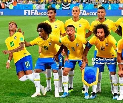 Outro aniversariante do dia, Neymar é presença constante em memes nas redes sociais. Durante a Copa de 2018, o brasileiro sofreu com montagens ironizando suas quedas