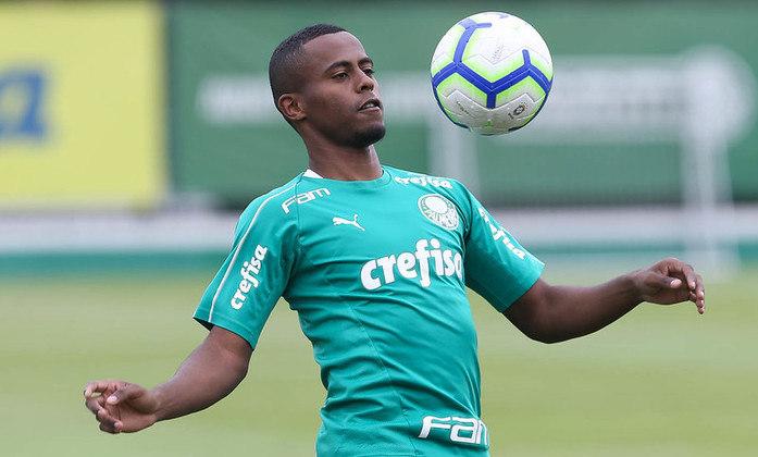 Outro emprestado do Palmeiras é o meia Carlos Eduardo, que está cedido ao Athletico Paranaense até dezembro de 2022. Seu vínculo com o Verdão se encerra em dezembro de 2023.