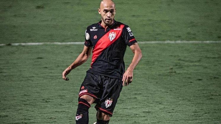 Outro jogador emprestado ao Atlético-GO é o lateral-direito Dudu, que tem empréstimo até dezembro deste ano com os goianos, Seu contrato com o Colorado termina em dezembro de 2021.