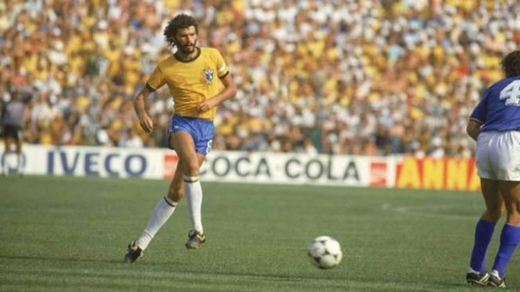 Outro nome emblemático da Copa de 1982, SÓCRATES anotou 22 gols com a amarelinha.