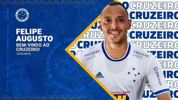 Outro reforço do time mineiro é Felipe Augusto, atacante de 28 anos que chega com contrato até dezembro de 2021.