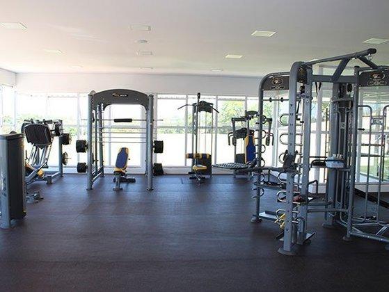 Outros equipamentos da academia do completo HWT Sports.