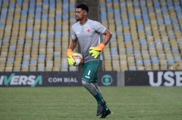 Outros jogadores - Alexander já foi titular, hoje é terceiro goleiro e passou o Campeonato Estadual praticamente todo em recuperação. Weverton e Guilherme Carneiro não tiveram oportunidades.
