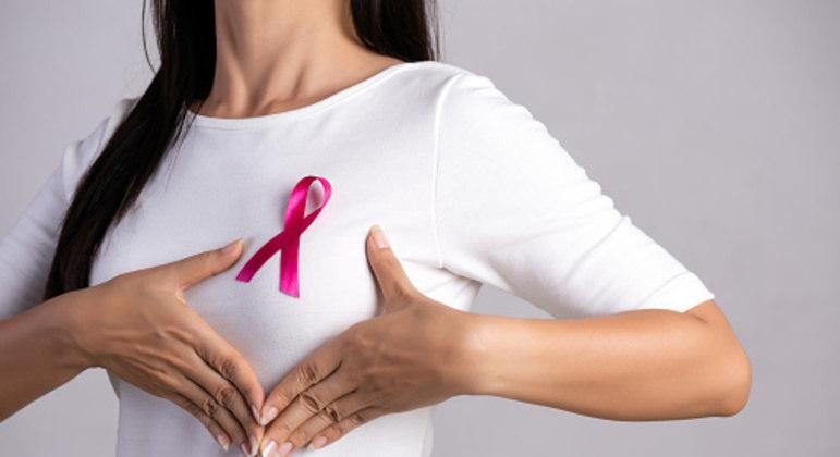 Empresa está produzindo próteses de aréolas para mulheres que tiveram câncer