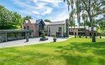 Desde que chegou em Manchester, CR7 escolheu esta mansão com sete quartos avaliada em 7 milhões de euros para morar