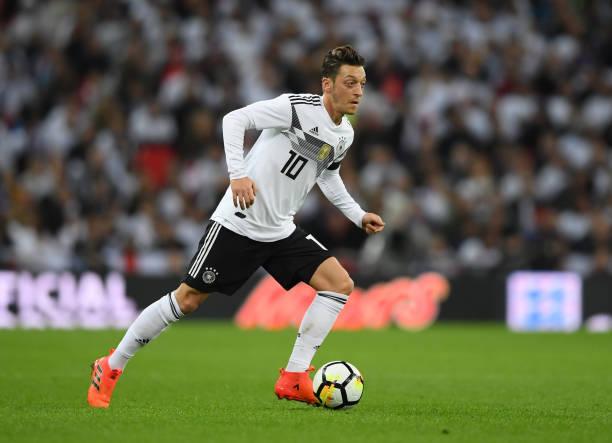 9b04b51236bfd ...  b Alemanha - Mesut Özil   b  br  br ...