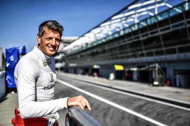Ozz Negri, com 56 anos, é o piloto mais velho entre os brasileiros