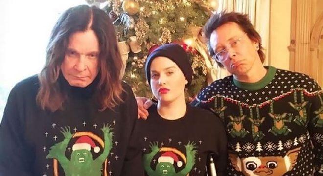 Ozzy Osbourne e sua filha Kelly Osbourne no Natal