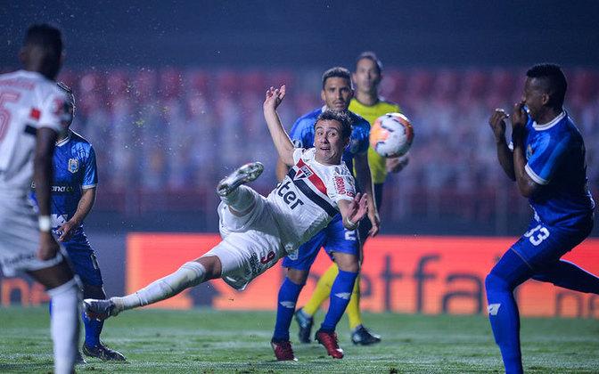 Pablo encerrou seu último jejum com dois gols, sendo um deles um golaço, após matar a bola no peito e chutar de voleio para o fundo do gol, podendo lhe garantir mais oportunidades a partir de agora.