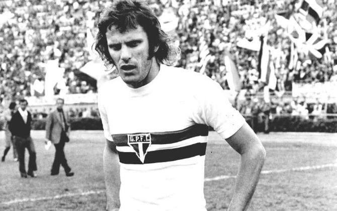 Pablo Forlán, pai do ex-atacante Diego Forlán, é mais um dos ex-jogadores do São Paulo que assumiu o clube como técnico. Comandou a equipe em 1990