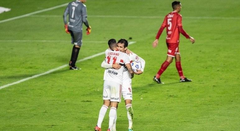 Pablo e Luciano marcaram na goleada do São Paulo sobre o 4 de Julho