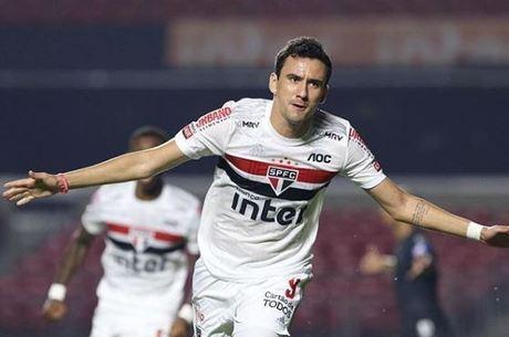 Pablo garantiu a vitória do tricolor com dois gols