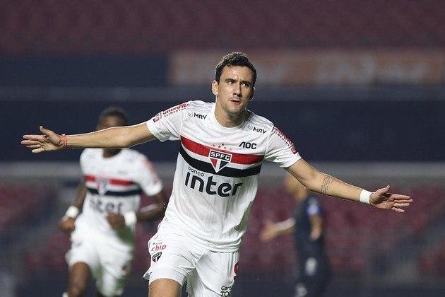 Apesar de ter marcado apenas três vezes no Paulista, Pablo, do São Paulo, é o jogador com a maior média de finalizações por jogo segundo o Sofascore: 3,2. Junior Todinho, do Guarani, com 2,9, e Alexandre Pato, também do Tricolor do Morumbi, com 2,4, completam o top 3