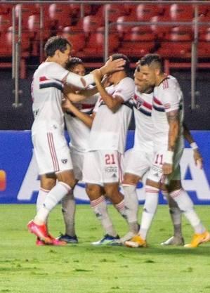 Jogadores do São Paulo vibram