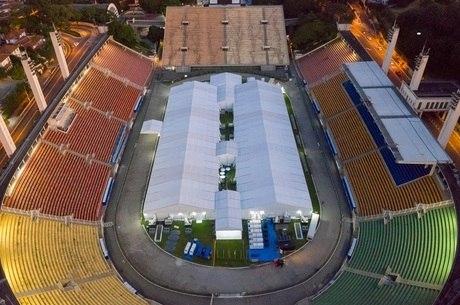 Estádio se tornou hospital de campanha provisório