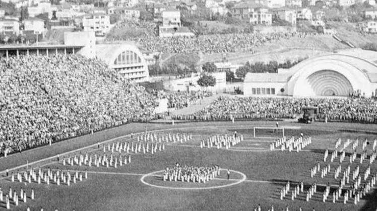 Pacaembu (SP): o estádio municipal de São Paulo também sediou 12 jogos no Campeonato Sul-Americano de 1949. A Seleção Brasileira disputou três jogos na capital paulista naquele ano, venceu todas, com 17 gols marcados e apenas dois sofridos.