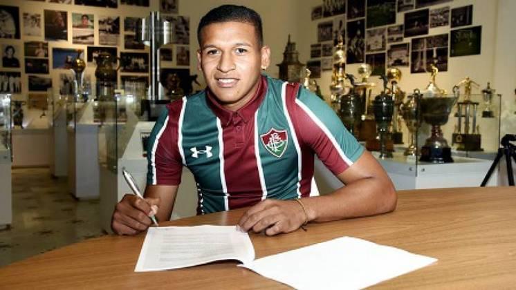 Pacheco - Fluminense - 21 anos - atacante - peruano