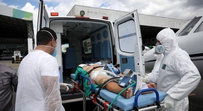 Pandemia fez a capacidade de UTIs se esgotar em vários hospitais do país