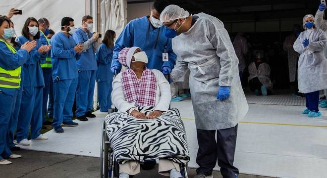 Últimos pacientes deixaram hoje o hospital de campanha do Pacaembu