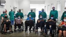 Pacientes de Manaus internados com covid em MG recebem alta