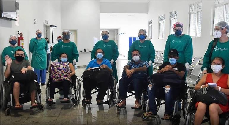 Dez pacientes levados para Uberaba tiveram alta e já estão em Manaus
