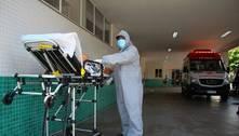 'Tive de diminuir oxigênio e acalmar desespero', diz enfermeiro do AM