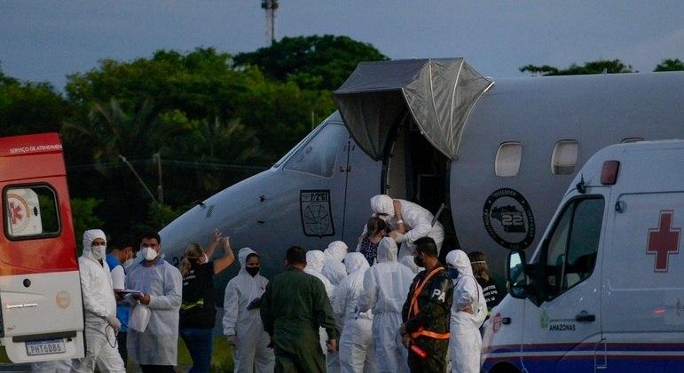 Transferência de pacientes com Covid-19 de Manaus (AM) para Goiás, no avião da FAB