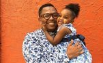 Pai e filha combinam o visual.
