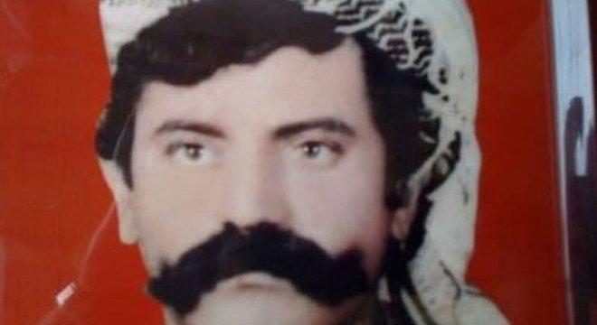 Todos os homens, incluindo o pai de Ahmed, foram separados em uma base militar