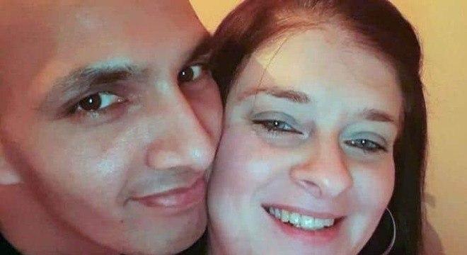 Pai e a mãe de seus filhos pouco antes dela morrer