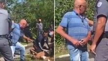 Pai tem ataque de fúria ao ver filho baleado após participar de assalto